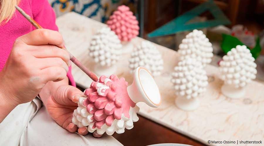 Bomboniere fai da te: decorazione su ceramica